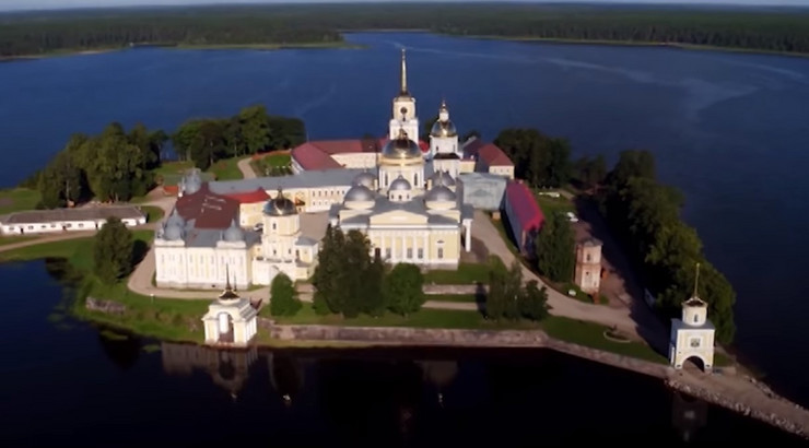 Rijalti šou u manastiru (Ostrov)