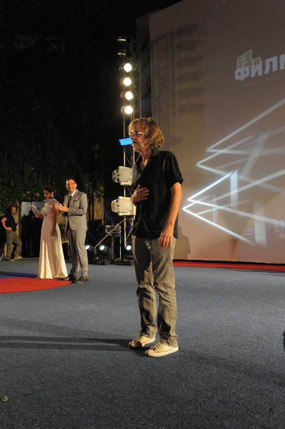 Srđan - Žika Todorović poklonio se u nedelju uveče niškoj publici nakon premijere filma