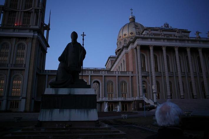 Pope_Monuments_016