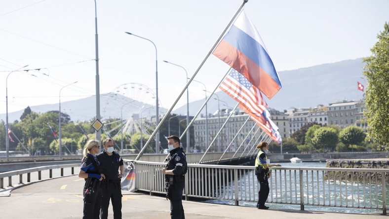 Policja zabezpiecza szczyt Biden-Putin