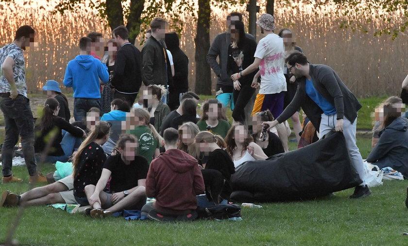 Tak bawią się maturzyści! Potrzebna była interwencja policji.