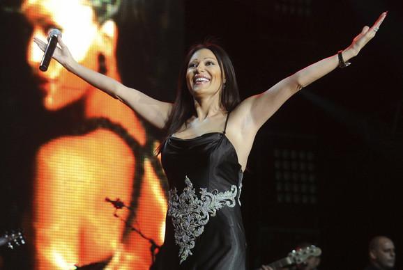 Svetlana Ceca Ražnatović za nastup dobija 20.000 evra i kada bi stalno bila na turneji, za godinu dana bi mogla da zaradi i do milion evra