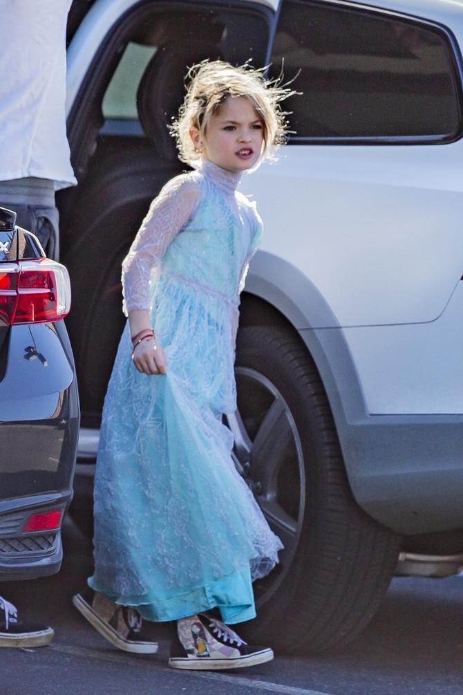 Sin Megan Foks odbija da skine haljinu