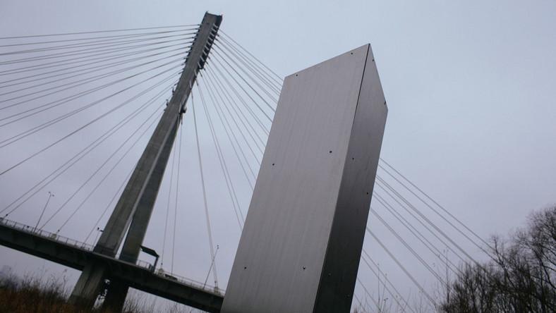 Instalacja w okolicy Mostu Świętokrzyskiego w Warszawie