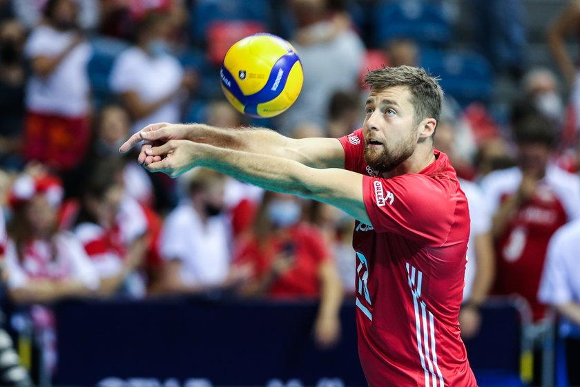 Kapitan polskiej kadry tonuje przewidywania co do dalszej drogi Polaków w mistrzostwach i przedwczesnych prognoz.