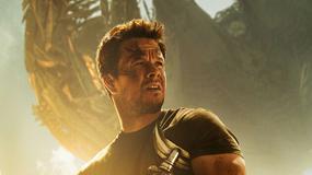 """Mark Wahlberg na plakacie promującym film """"Transformers: Wiek zagłady"""""""