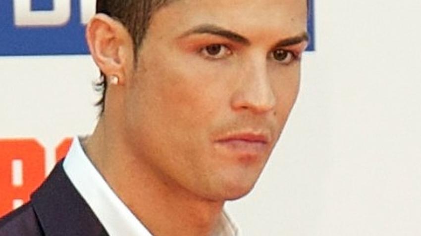 Ronaldo Ma Nową Fryzurę