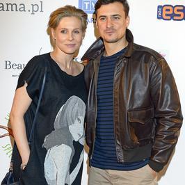 Mateusz Damięcki z ciężarną partnerką na imprezie charytatywnej. Widać już ciążowe krągłości?