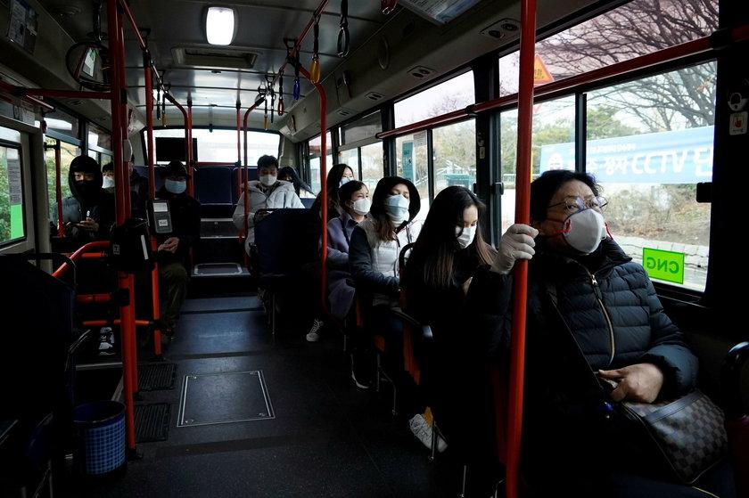 W Korei i Czechach tak walczą z koronawirusem.