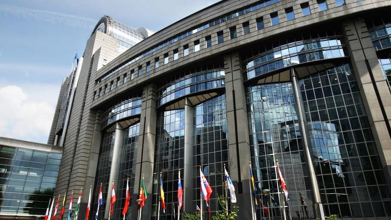 Unijny Trybunał bierze się za Polskę. Przez OFE