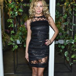Katarzyna Wołejnio w sukience ze sznurkami na pokazie Bizuu. Hit czy kit?