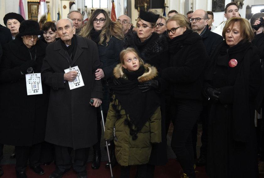 Urna z prochami Pawła Adamowicza spoczęła w krypcie