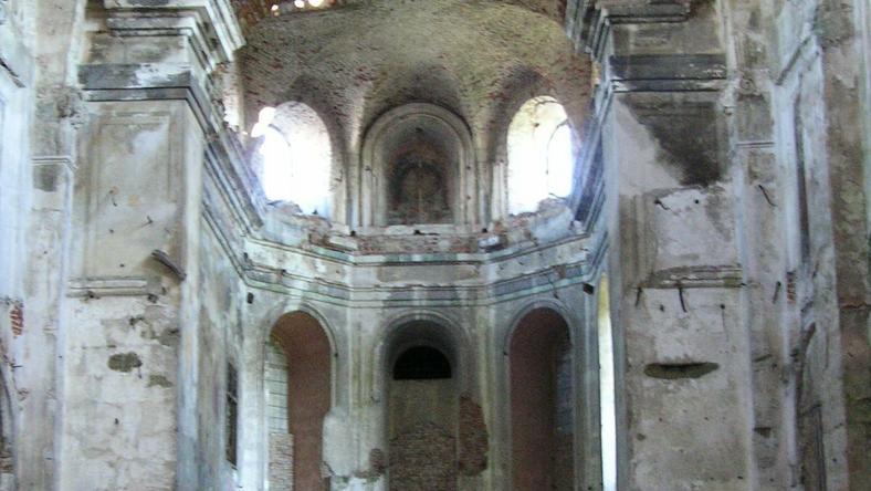 Zniszczony przez nacjonalistów ukraińskich w 1944 r. kościół w Podkamieniu, fot. Archiwum autora