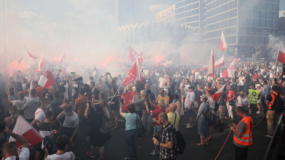 """Godzina """"W"""" na rondzie Dmowskiego w Warszawie"""