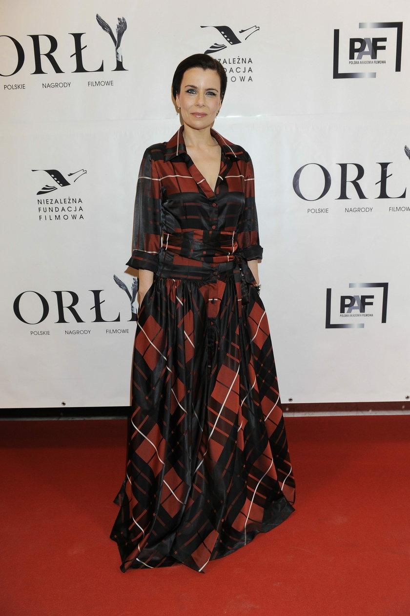Agata Kulesza na czerwonym dywanie na rozdaniu Orłów
