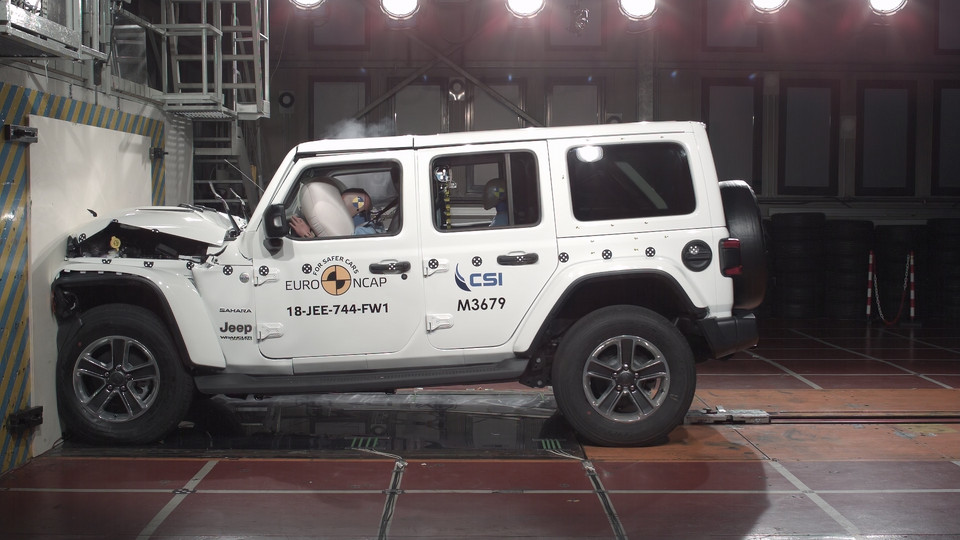 Jeep Wrangler - crash test