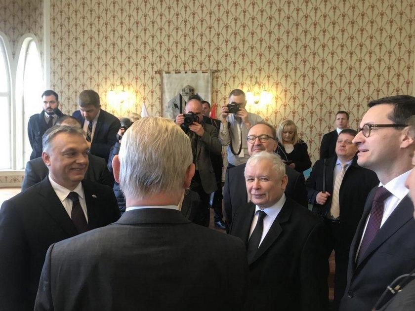 Jarosław Kaczyński w Budapeszcie na odsłonięciu pomnika smoleńskiego