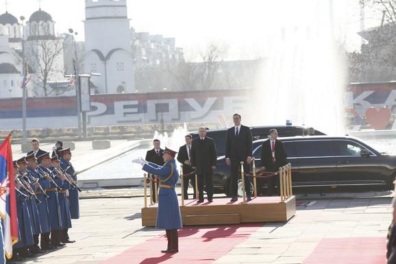 Putin i Vučić ispred Palate Srbija