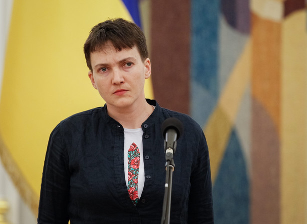 Sawczenko, która po dwóch latach aresztu w Rosji powróciła w środę do ojczyzny, wystąpiła w piątek w Kijowie na swej pierwszej po odzyskaniu wolności konferencji prasowej.