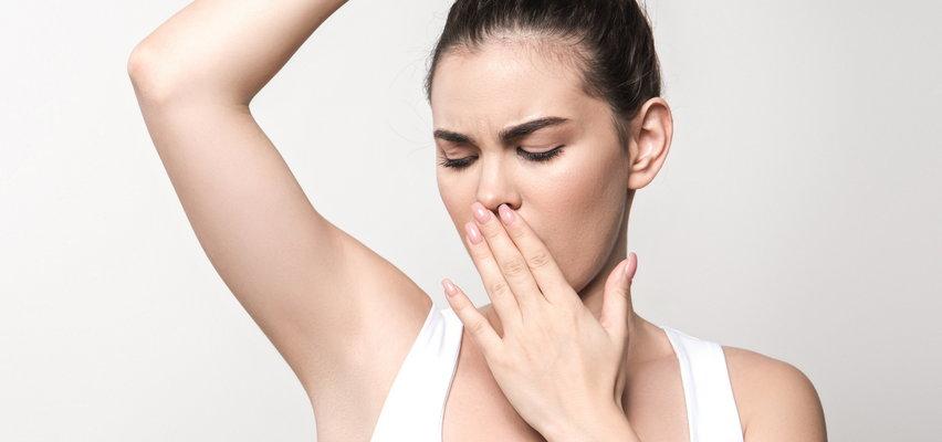 A fe! O czym świadczy zapach potu? Czy to już choroba?