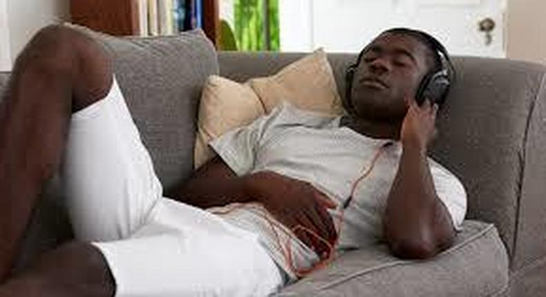 A man relaxing at Home (Internet)
