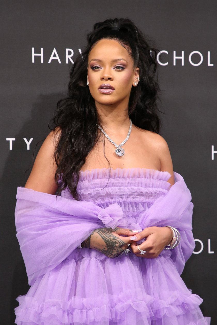 Rihanna nie mogła sprzedać domu