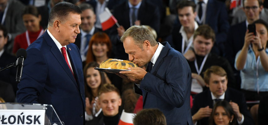 O ile zdrożał chleb? Donald Tusk podał fałszywe dane