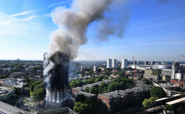 Szefowa straży pożarnej oceniła, że dotychczas strażacy byli w stanie dokładnie sprawdzić jedynie około połowę budynku