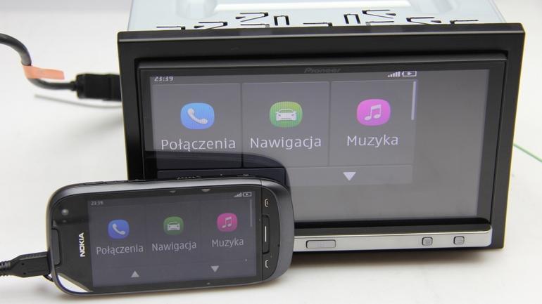 Nokia 701 i Pioneer SPH-DA110 w trybie MirrorLink.