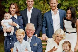 NEOBIČNE FOTOGRAFIJE kraljevske porodice obišle svet, a JEDAN DETALJ pokazuje zašto Megan Markl ODUDARA od svih njih