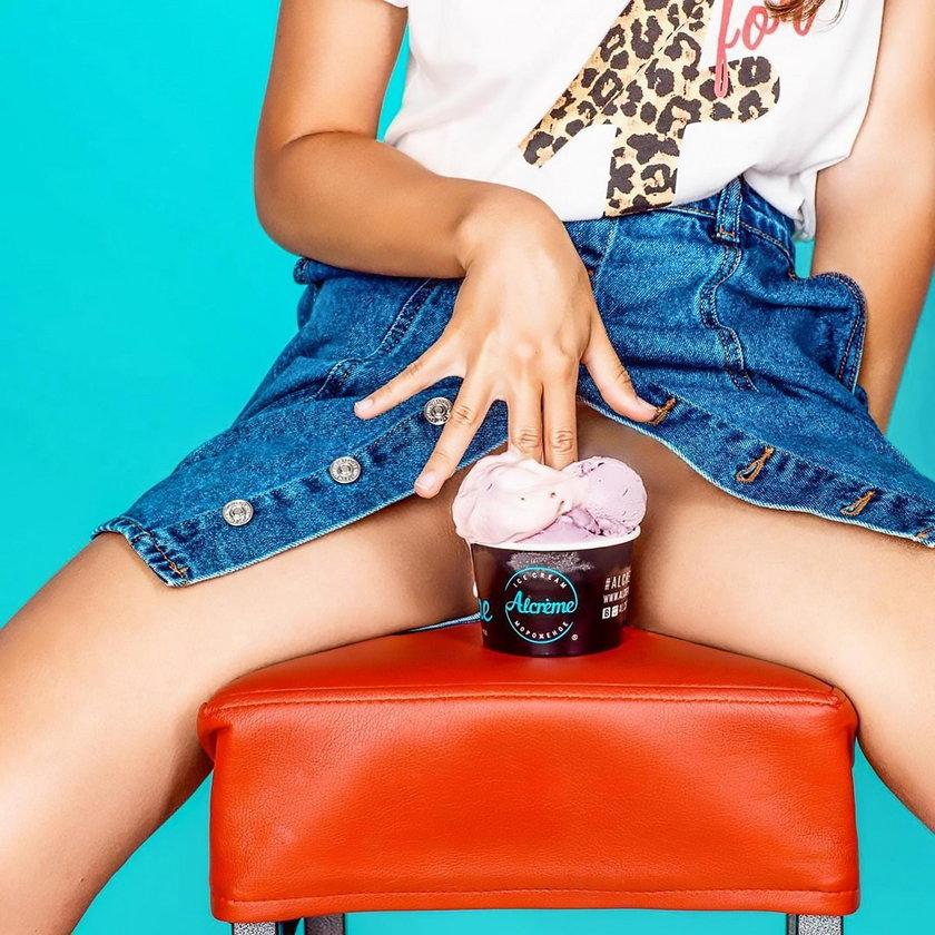 Nagie modelki promują lody. Kontrowersyjna reklama w Rosji podbija Internet
