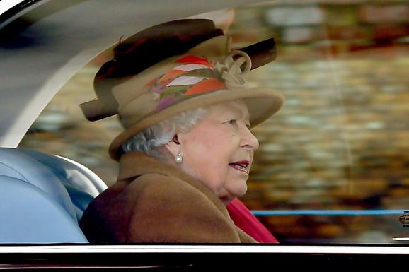 Kraljica Elizabeta stiže na krizni sastanak