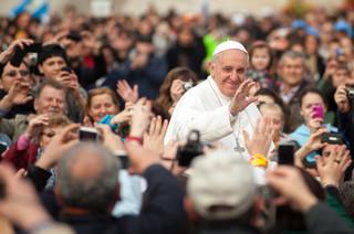 Papież apeluje do prezydenta Francji o troskę o ubogich i wykluczonych