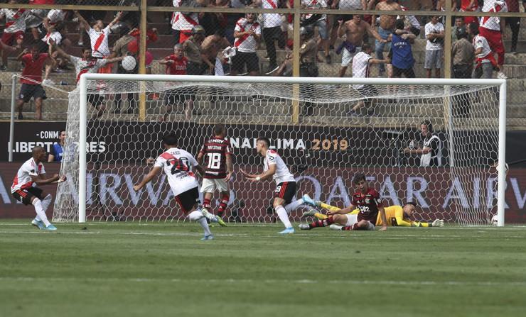 FK River plata, FK Flamengo