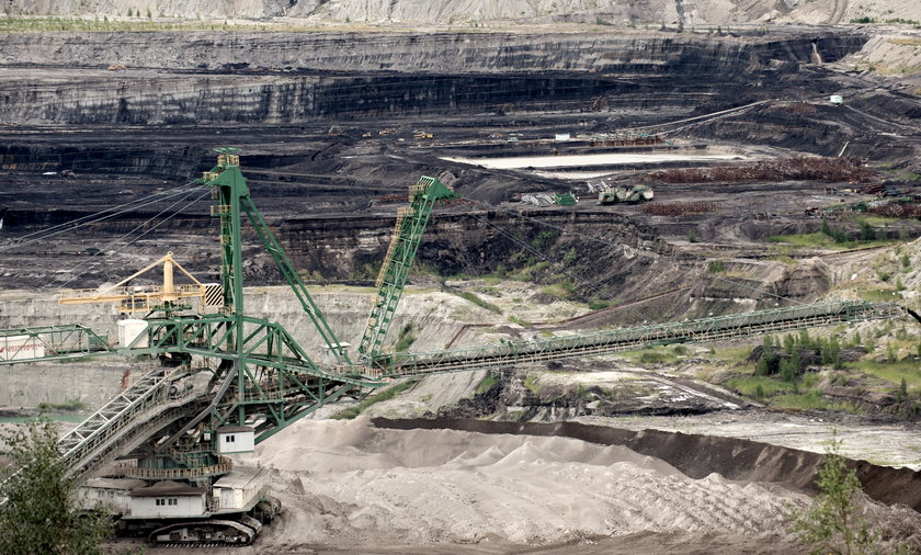 Kopalnia Turów musi wstrzymać wydobycie, bo TSUE przychyla się do wniosku Czechów, że zagraża to środowisku po czeskiej stronie granicy.