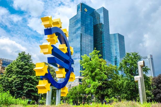 Z badania wynika, że dla 58 proc. badanych euro miałoby negatywne przełożenie na sytuację gospodarstw domowych, podczas gdy pozytywny i neutralny wpływ dostrzega po 10 proc. badanych.