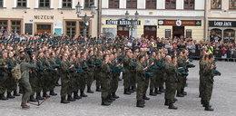 Przysięga żołnierzy Obrony Terytorialnej na rzeszowskim Rynku