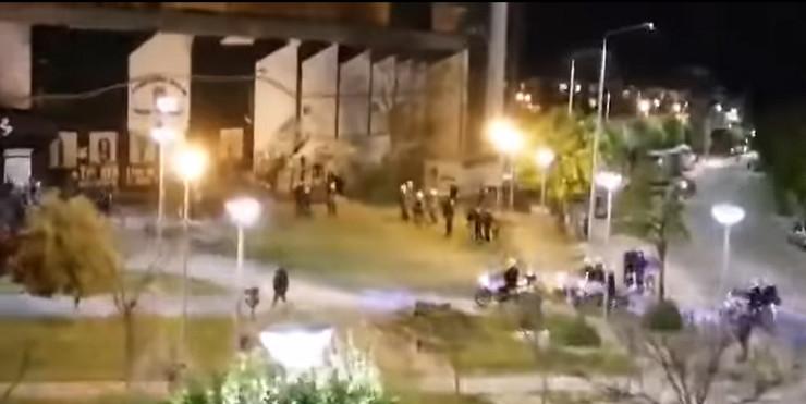 Neredi ispred stadiona Tumba u Solunu