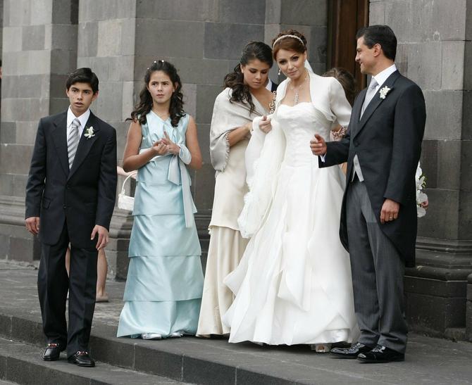 Na venčanju sa decom