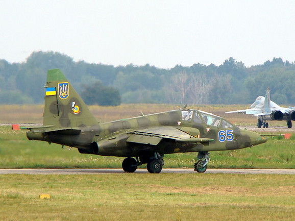 Ukrajinski borbeni avioni SU-25 UB i Mig-29s