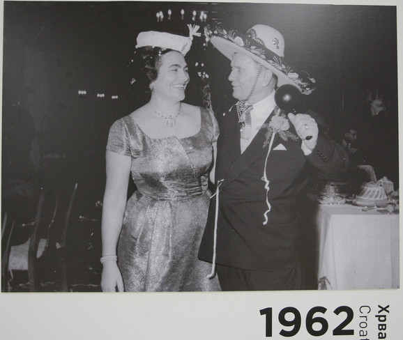 Tito i Jovanka:Kada je prvi put Olga videla Jovanku, ona je bila mlada, lepa devojka koja se stidljivo smeška