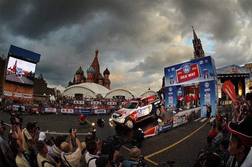 Krzysztof Hołowczyc wygrał rajd Silk Way Rally