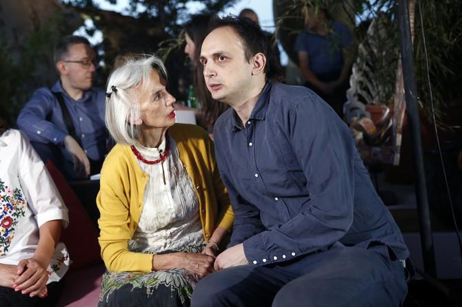 Vesna sa sinom Petrom Nikolićem, slikarom