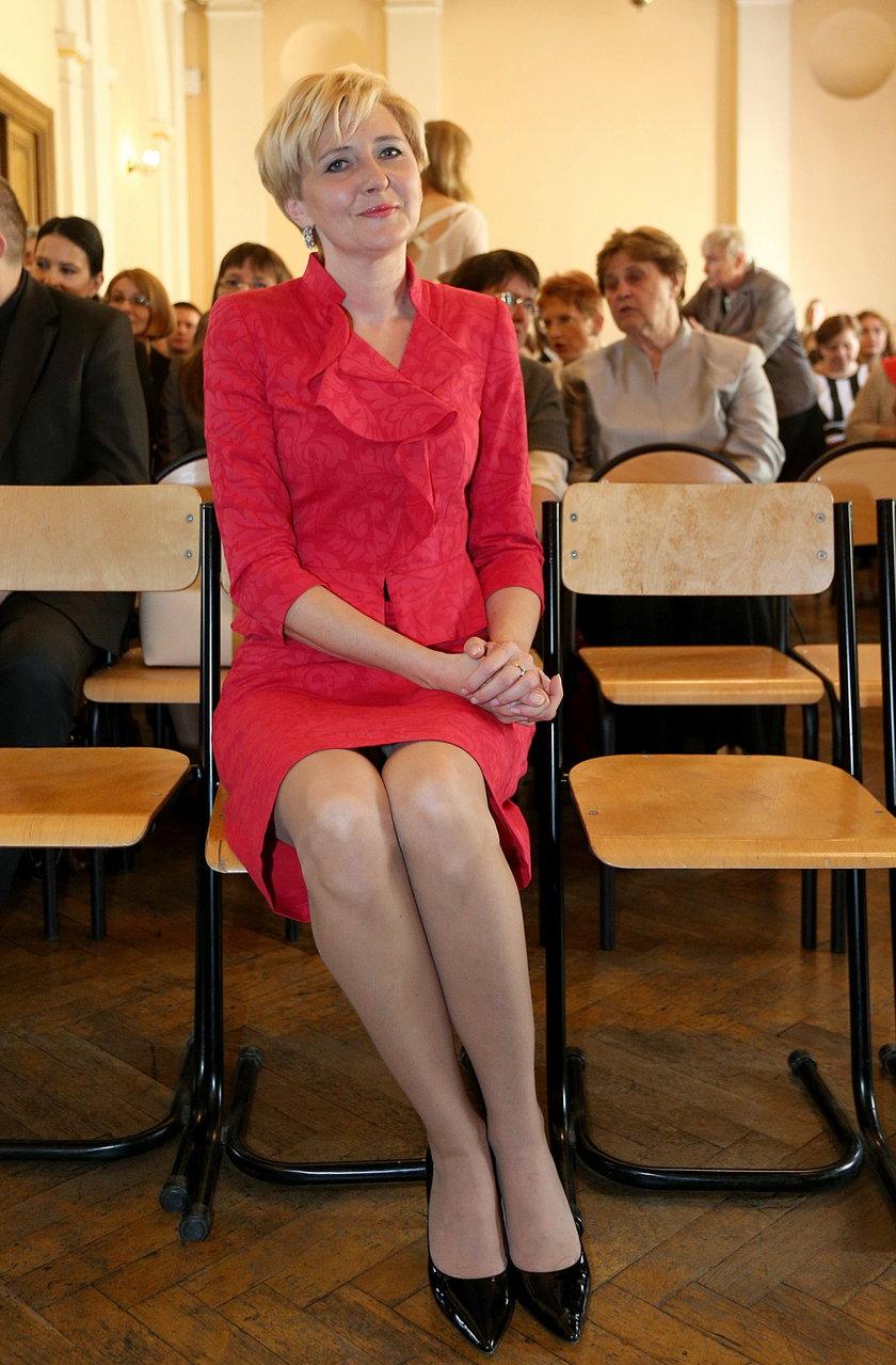 Agata Duda uczy w szkole za darmo