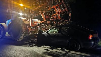 Uwaga na traktory! Groźny wypadek z udziałem rolnika mógł skończyć się gorzej