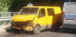 Policyjny pościg w Lubuskiem. Kradziony bus staranował osobówkę