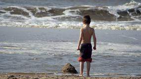 Niebezpieczny pasożyt na plażach. Grzyb na trawie anielskiej może zabić dziecko