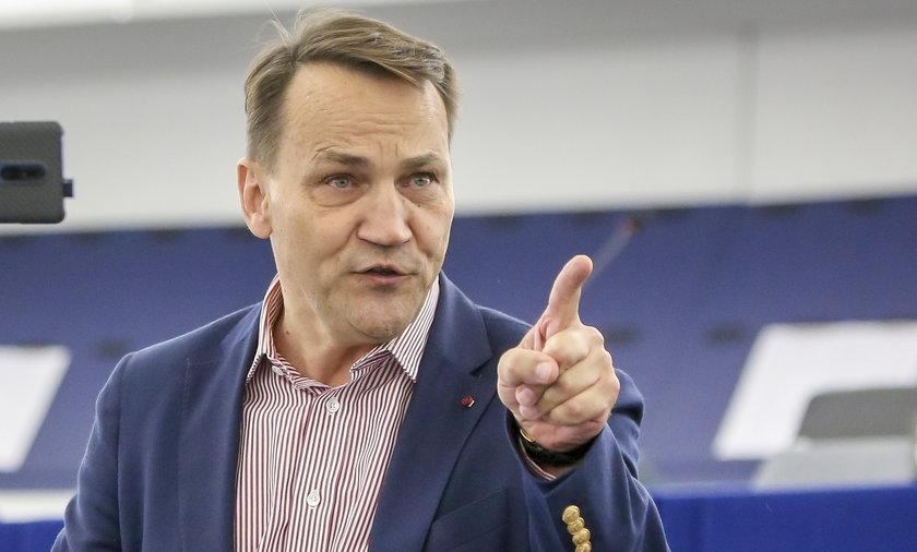 Europoseł Radosław Sikorski, były minister obrony w rządach Kazimierza Marcinkiewicza i Jarosława Sikorskiego.