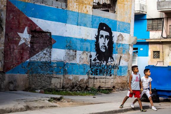 Kuba ga obožava