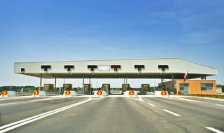 Autostradowe korki mogą zniknąć. Winiety zastąpią bramki?